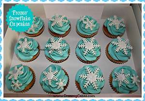 Frozen Cakes and Birthday Party Ideas!