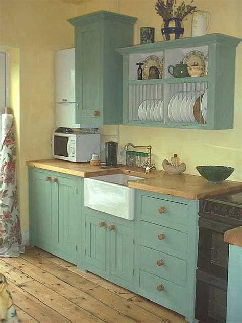 Small Country Kitchen, But Use One Side Of Lower Cabinet