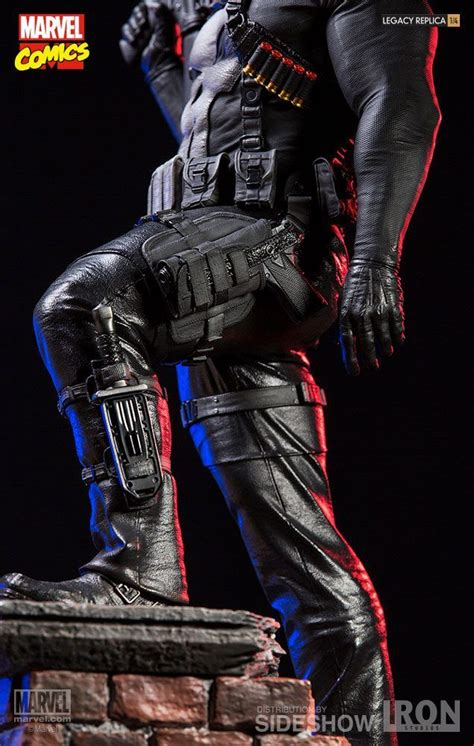 marvel comics  punisher iron studios  statue