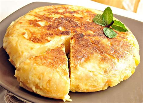 tortilla de patatas spanish potato tortilla tortilla espanola recipe dishmaps