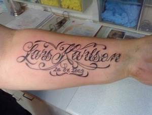 Tattoo Unterarm Schrift : freyja schrift tattoos von tattoo ~ Frokenaadalensverden.com Haus und Dekorationen