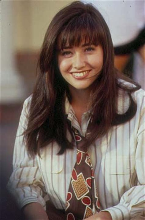 How to Dress Like Brenda Walsh   Crasstalk