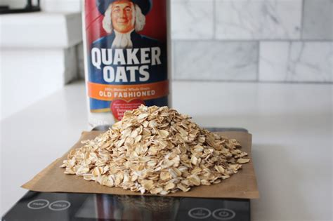 100 Grams of Quaker Old Fashioned Oats, Raw 100 Grams