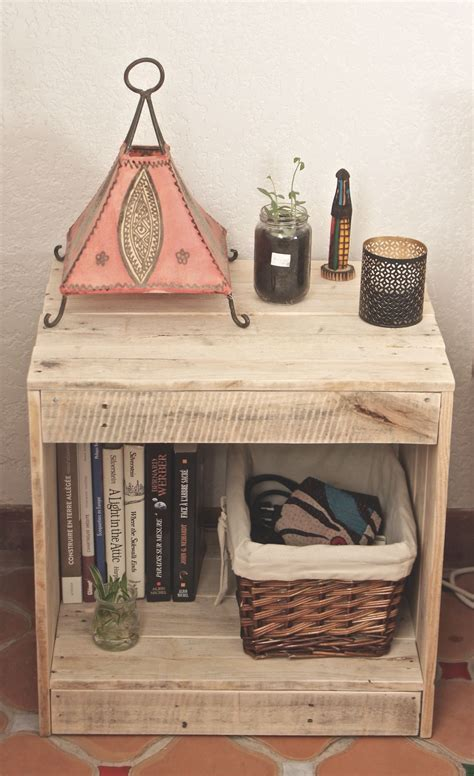 meuble table de nuit en palette diy table de chevet