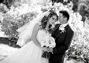 choosing a photographer for your wedding nspire magazine With choosing a wedding photographer