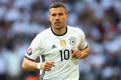 Born łukasz józef podolski (ipa: Lukas Podolski Photos Photos - Germany v Slovakia - Round ...