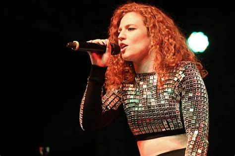 Jess Glynne Goes In 'light' In First Performance Since