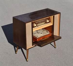 Meuble Pour Tourne Disque : mobilier et objets des ann es 1950 60 archives d j vendu ~ Teatrodelosmanantiales.com Idées de Décoration