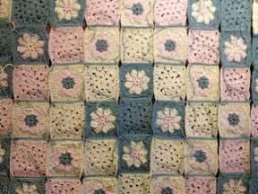 Granny Square Decke : margaretes fortschritte bei der granny square decke ~ Buech-reservation.com Haus und Dekorationen