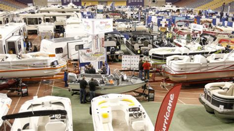 Chicago Rv And Boat Show Coupons by Boat Show Brings Thoughts Of To Cedar Valley