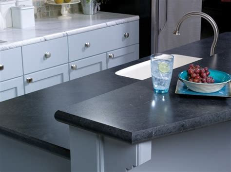 Countertop with a Crescent Edge: Calcutta Marble 4925