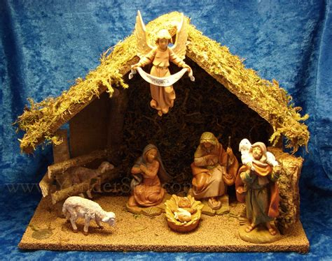 5 quot fontanini nativity scene 7 pc with 10 quot wooden stable