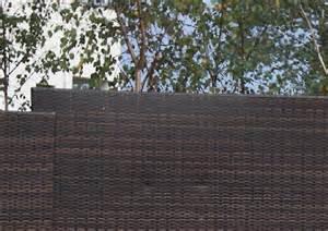 sichtschutz balkon kunststoff sichtschutz sichtschutzelemente aus kunststoff
