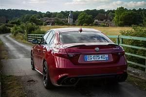 Essai Alfa Romeo Giulia : essai alfa romeo giulia quadrifoglio exterieur 124 le blog de viinz ~ Medecine-chirurgie-esthetiques.com Avis de Voitures