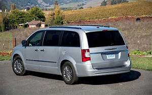 2012 Chrysler Town  U0026 Country Reviews