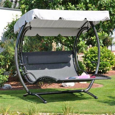 chaise longue suspendue chaise longue suspendue et fauteuil relax méridienne