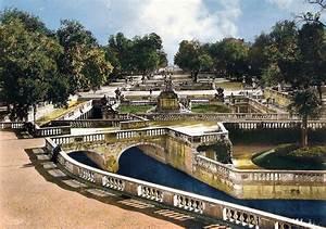 Visiter nimes 4 idees incontournables pour une journee for Jardin de la fontaine