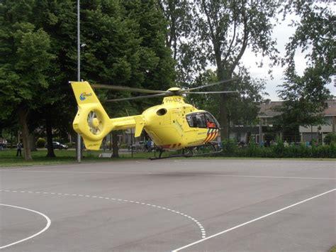 Yilmaz Zeil by Kind Valt In Zwembad Personeel Traumahelikopter