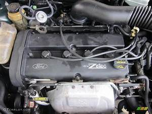 2001 Ford Focus Se Sedan 2 0 Liter Dohc 16 Valve Zetec 4 Cylinder Engine Photo  48635828