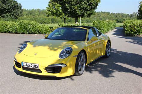 Gambar Mobil Gambar Mobilporsche 911 by Gambar Roda Kuning Mobil Sport Supercar Depan