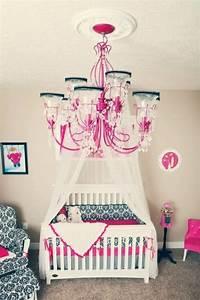 lustre chambre fille decoration chambre fille taupe With déco chambre bébé pas cher avec vente de bulbes de fleurs