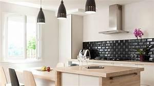 Cuisine ouverte avec ilot top cuisine for Petite cuisine équipée avec meuble de rangement salle a manger pas cher