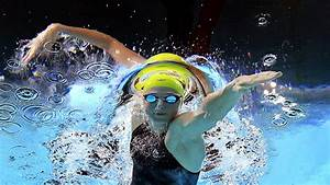 Scott upsets Chalmers to win 100m freestyle title - Daily ...