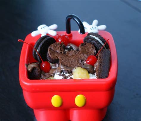 mini kitchen sink disney disney world mickey s mini kitchen sink sundae