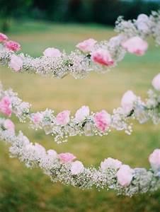 decoration florale mariage 70 idees archzinefr With tapis chambre bébé avec guirlande de fleurs mariage