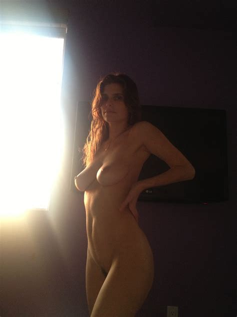 Lake Bell Nude Photos Leaked The Fappening Updated Celebsflash