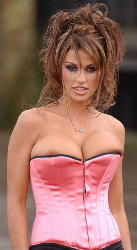 Celebrity Nip Slips Sexy Cleavage