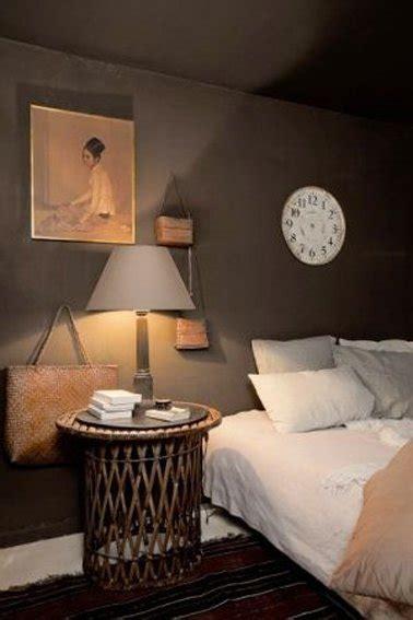 modele chambre garcon chambre taupe et couleur idées déco ambiance