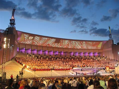 Dziesmu un deju svētku norisei līdzi sekoja 56% Latvijas ...