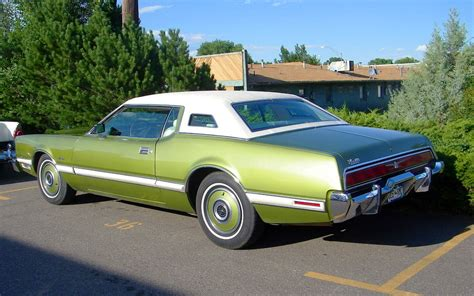 1973 Ford Thunderbird with color matched wheel covers ...