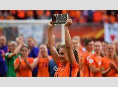 Holanda gana 'su' Eurocopa con la azulgrana Martens como
