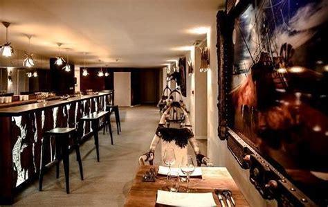 chambre rock serre chevalier 1400 hotel rock noir chambre 2