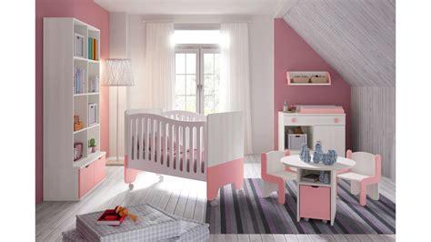 moisissure chambre bébé chambre bébé fille avec lit bicouleur blanc et