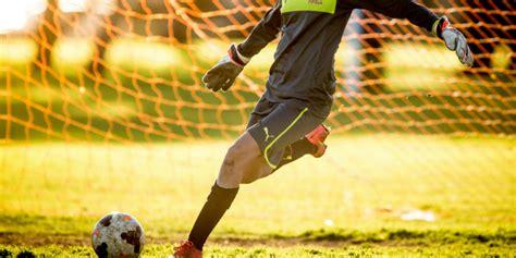 register    fundamentals goalkeeping program