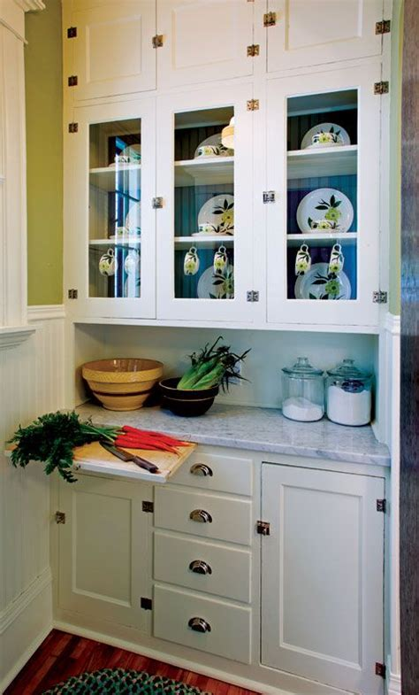 cabinets for kitchens 25 best ideas about 1940s kitchen on 1940s 1940
