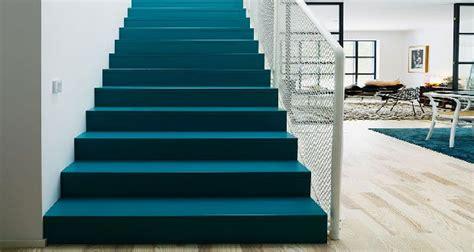 peinture pour sol farrow and dans escalier et entrée idées déco couleur escalier peint