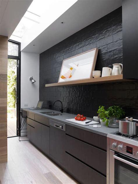 cuisine mat 1001 idées cuisine noir mat et bois élégance et sobriété