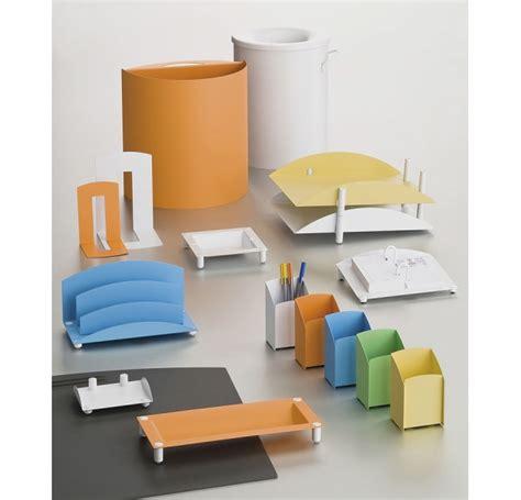 les accessoires de bureau accessoire de bureau gamme couleur design nam mobilier