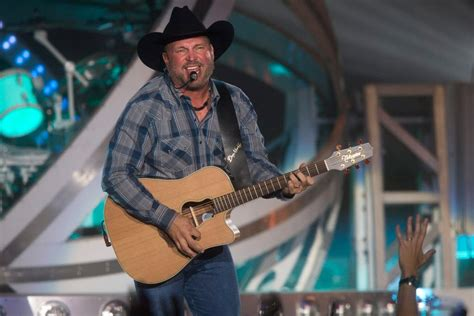 garth brooks brings  fun  fire