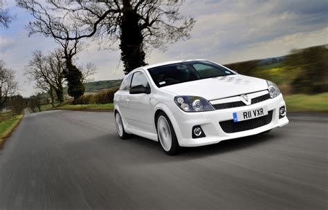 vauxhall vxr vauxhall astra vxr nurburgring edition photo gallery