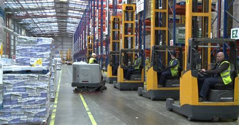 christmas warehouse jobs tesco has 200 warehouse vacancies near leicester here s how to apply for a