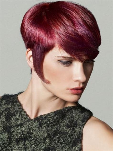 CURLY BOB HAIRSTYLES: SHORT HAIRCUTS ARE OF MANY TYPES AND