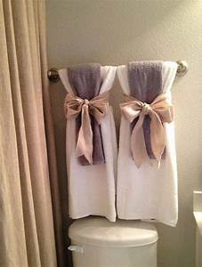 Home decor 15 diy pretty towel arrangements ideas for Decorating towels in bathroom