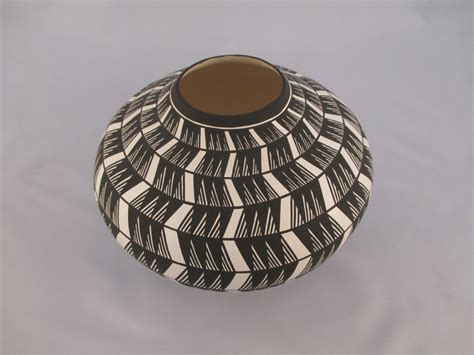 acoma pueblo indian pottery bowl  paula estevan acoma