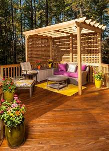 Terrasses couvertes pergola design offrant des espaces for Attractive amenagement jardin et piscine 9 terrase et coin barbecue sur la droite photo 11 avec