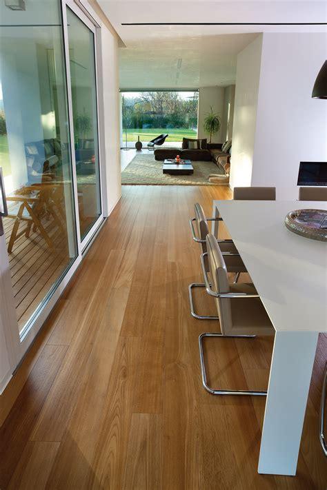 parquet flottant dans une cuisine parquet salon cuisine salon cuisine parquet decoration
